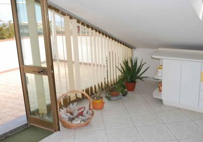 Casa Vacanze Appartamento Mansarda Con Terrazza A 50m Da Spiaggia